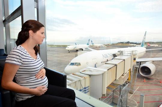 Czy kobieta w ciąży może podróżować samolotem?