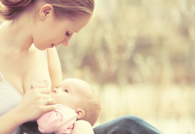 Zalety karmienia piersią - mama